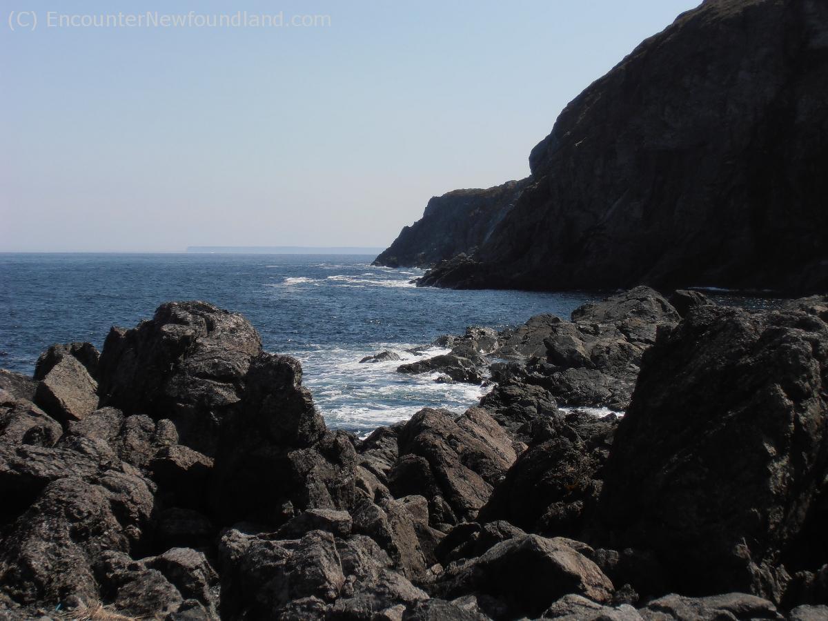 Sheer rock face at Fishing Point